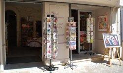 Shopping - Office de Tourisme de Saint-Gilles, Gard 19cb273373e7